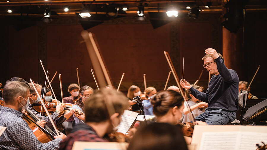 Daniel Harding Dir. musical et artistique de l'Orchestre symphonique de la Radio suédoise en répétition avec l'OSR © Niels Ackermann
