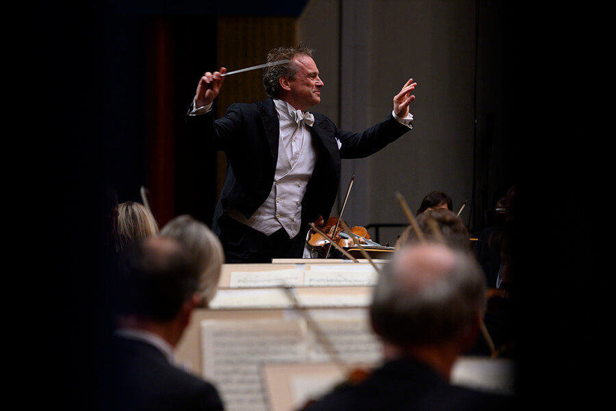 Orchestre de la Suisse Romande Jonathan Nott à Santander ©️Pedro Puente Hoyos