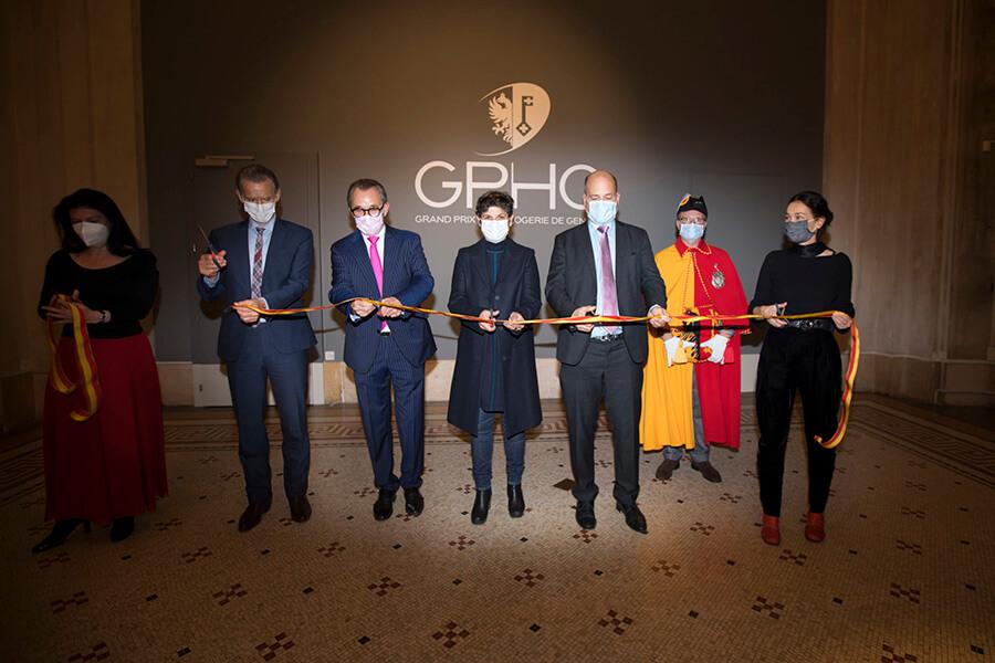 Autorités et direction du GPHG rassemblées au MAH pour l'inauguration de l'exposition des montres sélectionnées