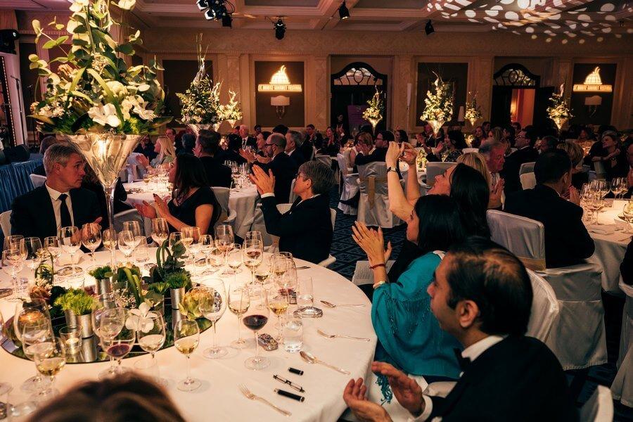 L'ambiance dans la salle est à la fête et au raffinement Porsche-Gourmet Finale 2020
