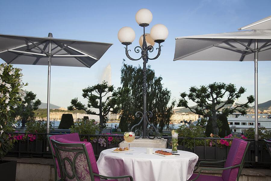 La terrasse du Beau-Rivage un lieu de rendez-vous sans cesse renouvelé
