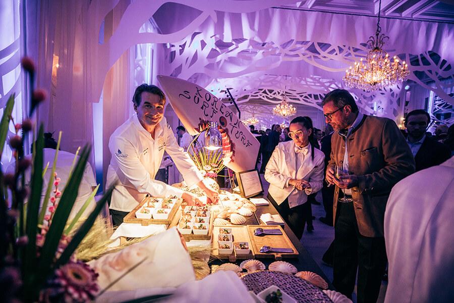 Dégustation lors de la soirée d'ouverture Julius-Baer du St Moritz Gourmet Festival 2020