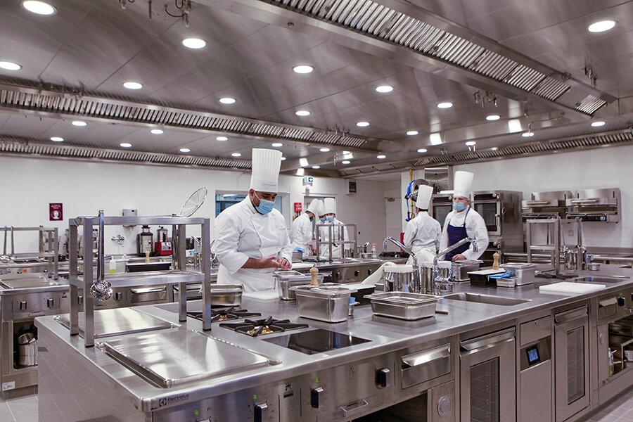 Les cuisines de l'Ecole Ducasse- Paris Campus © Thierry Arensma