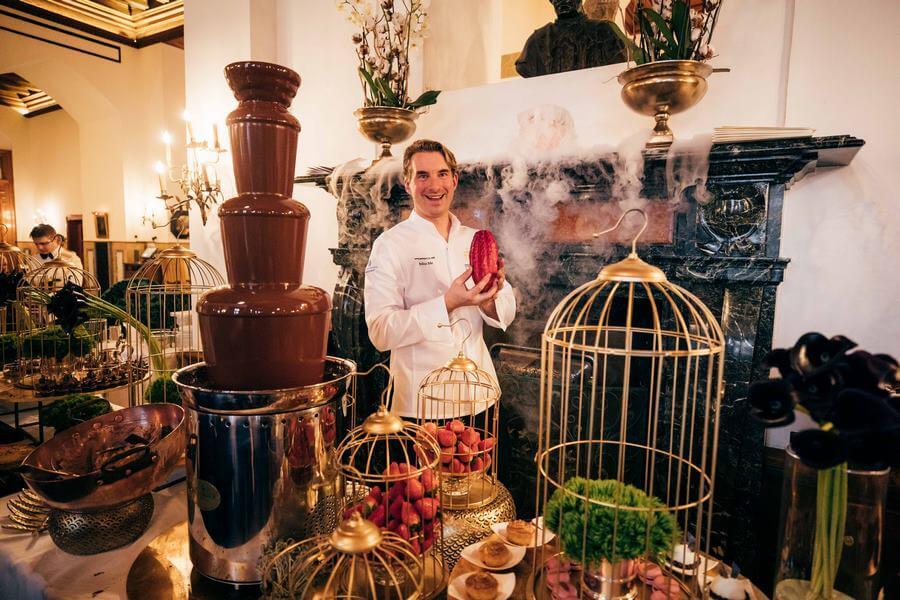 La fontaine à chocolat lors du Chocolate Cult 2020 spécialitée du Badrutts Palace.