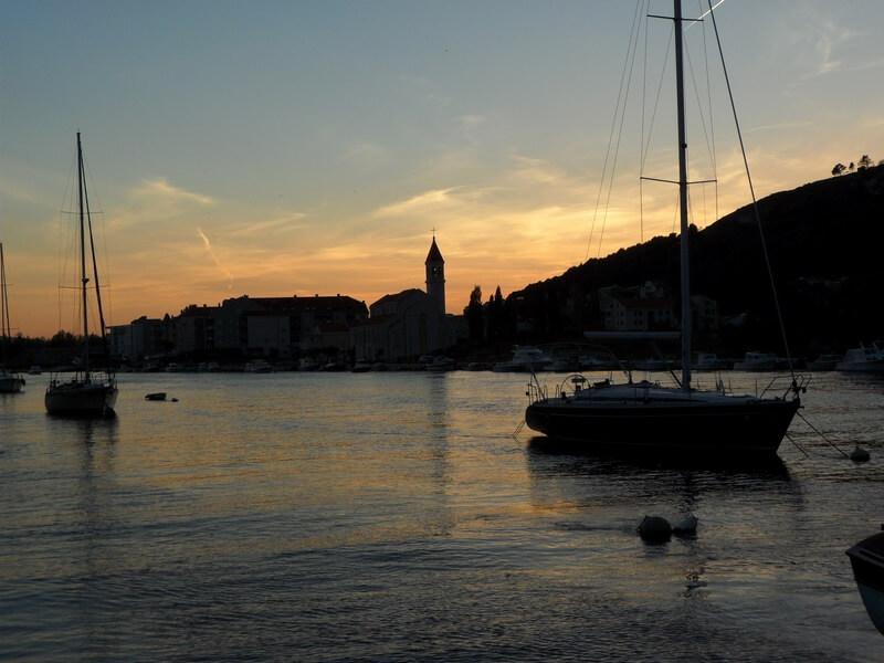 Le calme des bords de mer au coucher du soleil (c) GAD