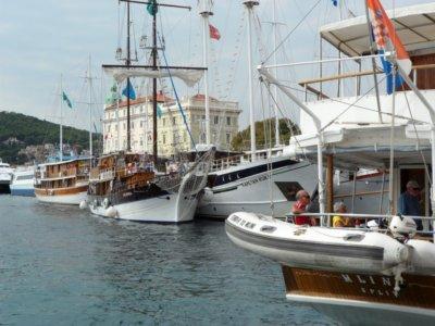 Split Un bord de mer effervescent accueillant voiliers, yachts et bateaux de plaisance (c) GAD