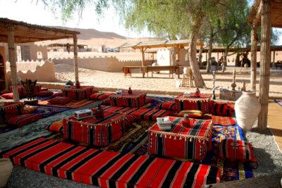 De confortables campements dans le désert accueillent les visiteurs 1000 Nights camp (c) OT Oman