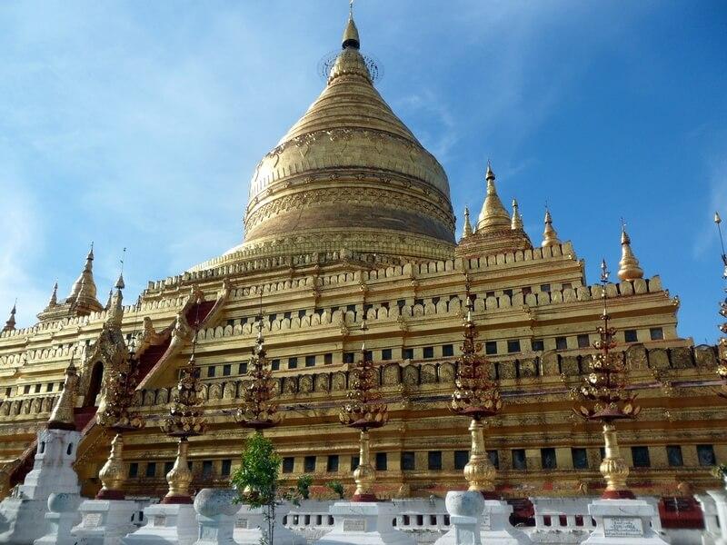 Le célèbre Schwezigon Pagoda à Nyaun-U près de Bagan (c)GAD