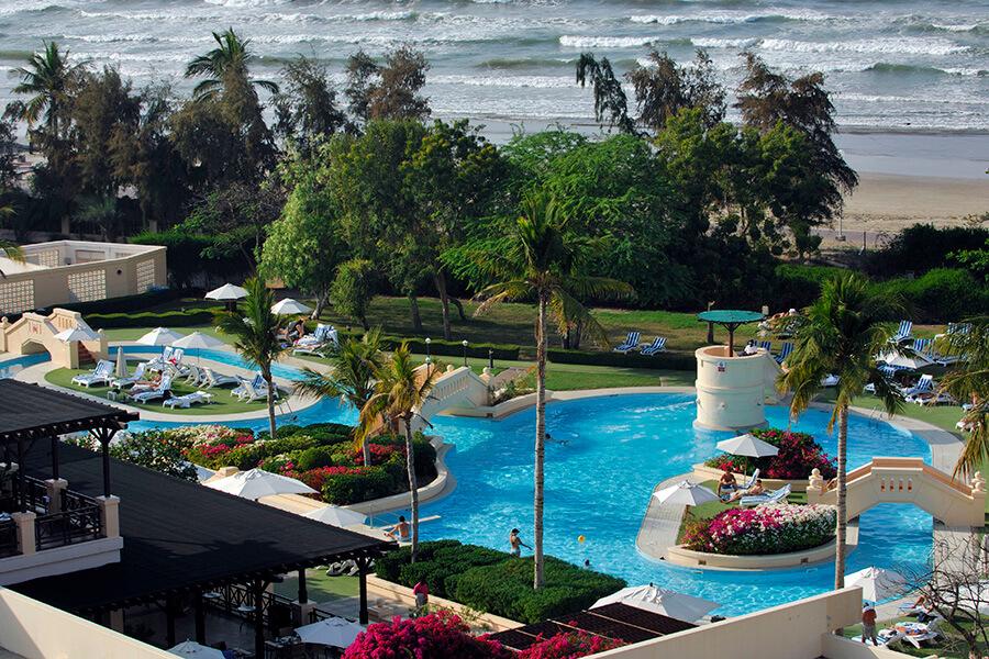 Mascate Intercontinental Hôtel côté loisirs autour de la pisicine (c) OT Oman