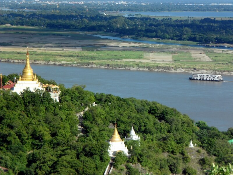 Le Sanctuary Ananda croisant sur l'Irrawaddy (c) GAD