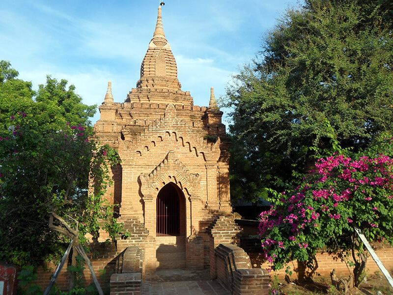 Un sanctuaire tout en brique des temps plus anciens (c) GAD