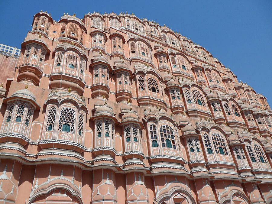 Jaipur capitale du Rajastan le grandiose Palais des vents ajouré de moucharabiehs