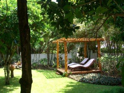 Détente dans le jardin des résidences privées (c)GAD