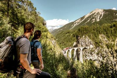 Alpine Circle la nouvelle route touristique à travers le Canton des Grisons (c) Grisons Tourisme