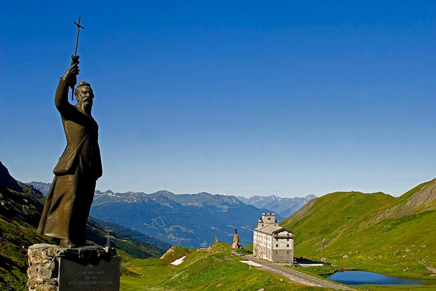 La statue de l'Abbé Chanoux au Col du Petit St Bernard - © Philippe Royer