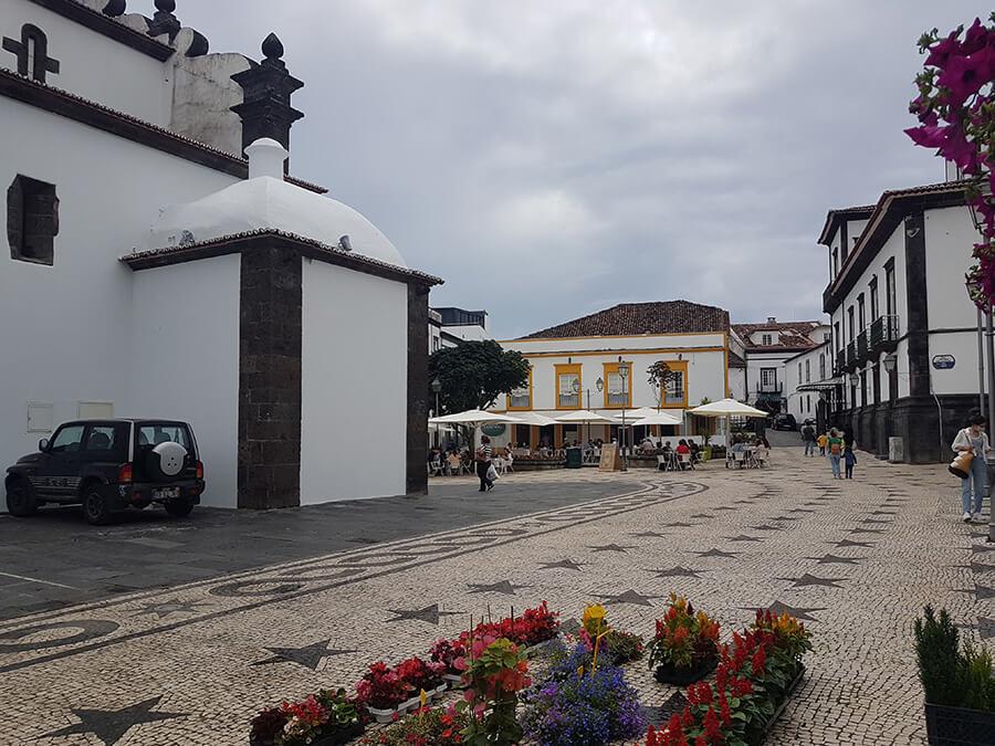 Ponta Delgada la capitale de Sâo Miguel siège du gouvernement régional des Açores (c)GAD