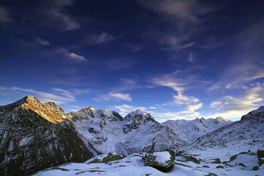 Glacier de Morteratsch vue sur les-crevasses et les géants de glace du Massif Bernina (c) Engadine Tourisme.jpg