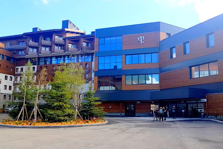 La façade du nouveau Club Med Resort La Rosière (c)GAD