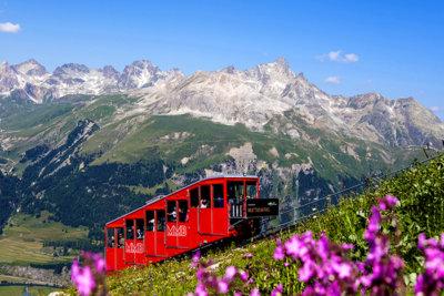 Muottas Muralgl un des plus fabuleux panoramas à découvrir sans faute (c) Engadin StMoritz Mountains