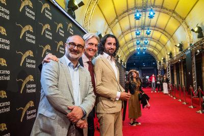 Directeur Artistique Giona A. Nazzaro, Marco Solari et Raphael Brunschwig Chef des Opérations PreFestival sur le tapis rouge (c) Locarno Film Festival