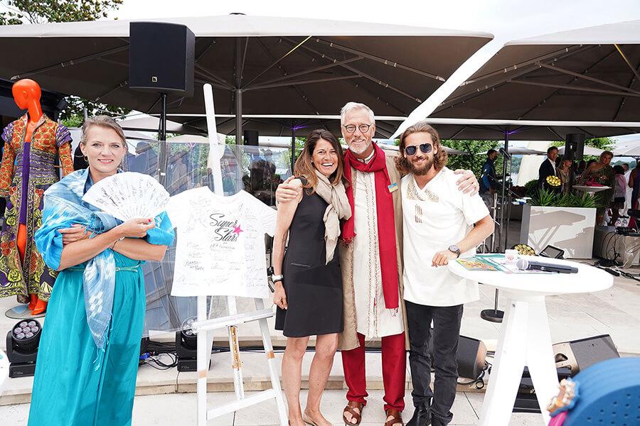 Philippe Boissonnas Secrétaire Général IRP en joyeuse compagnie après les enchères 2020 avec Joëlle Snella du bureau de Genève (c) Photos IRP